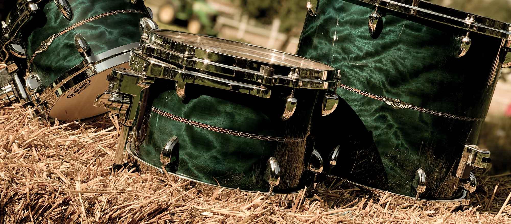 Beställ live trummor till din låt eller produktion.
